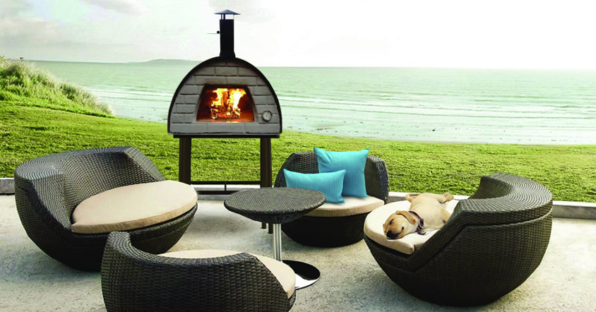 The Maximus oven is an affordable state-of-the-art design portable wood fired pizza oven made in Portugal from Brustics NZ